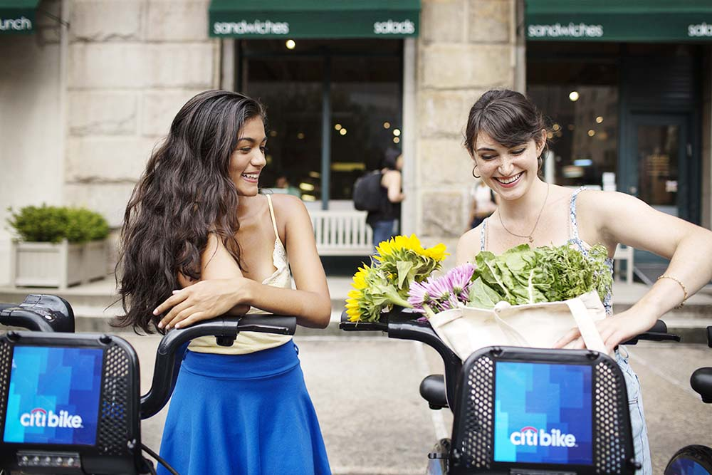 friends at a citibike dock