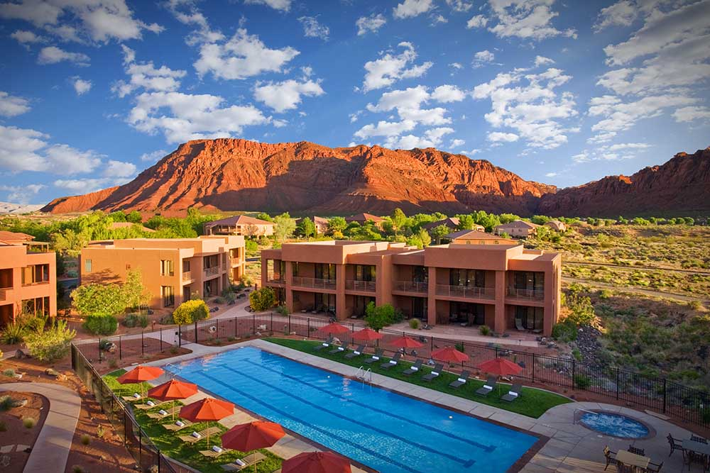view of the pool at Red Mountain Resort