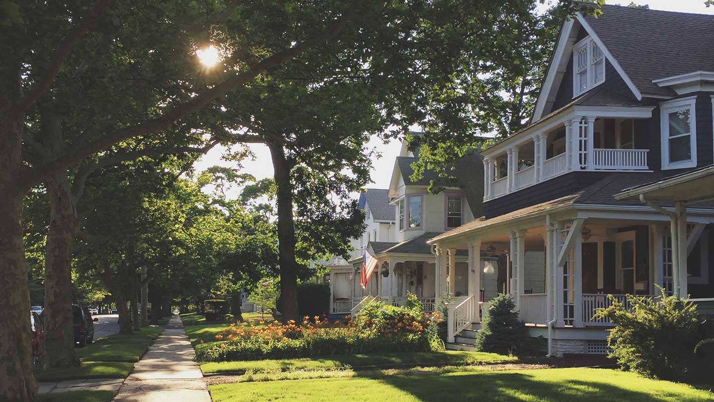 Get Your House Sale in Order: How to Save on Closing Costs