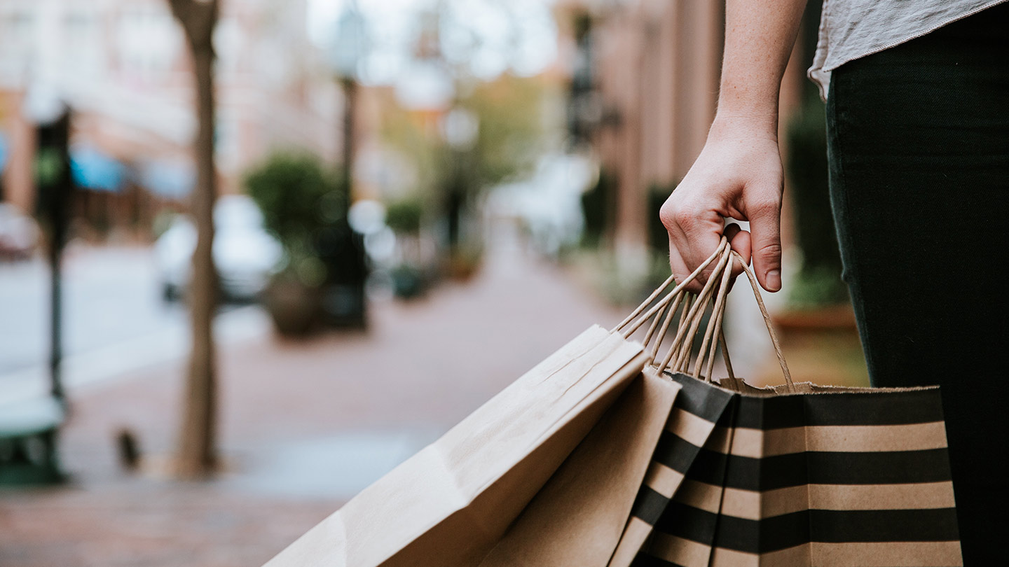 What Do Smart Shoppers Have in Common? Incredible Timing